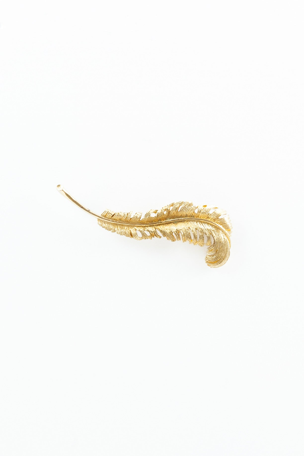 60's__Coro__Feather Pin