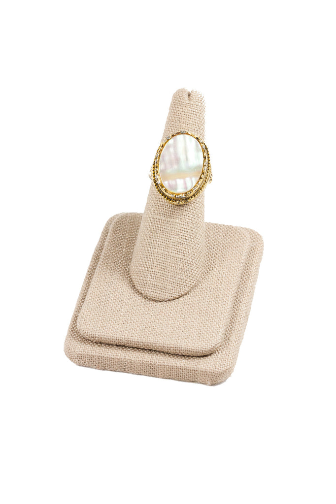 60's__Vintage__Mother of Pearl Ring