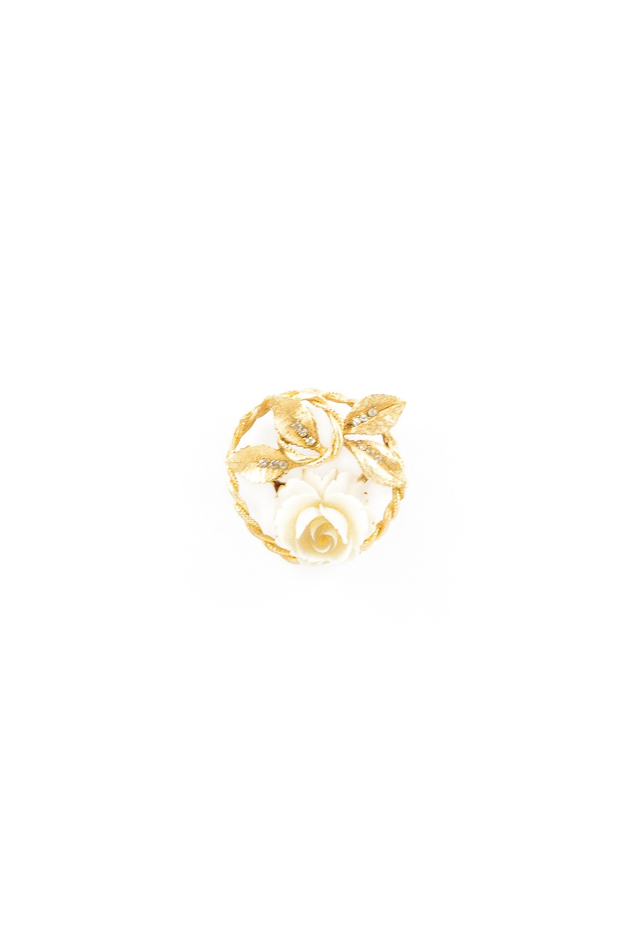 70's__BSK__Twisted Cream Rosette Floral Pin