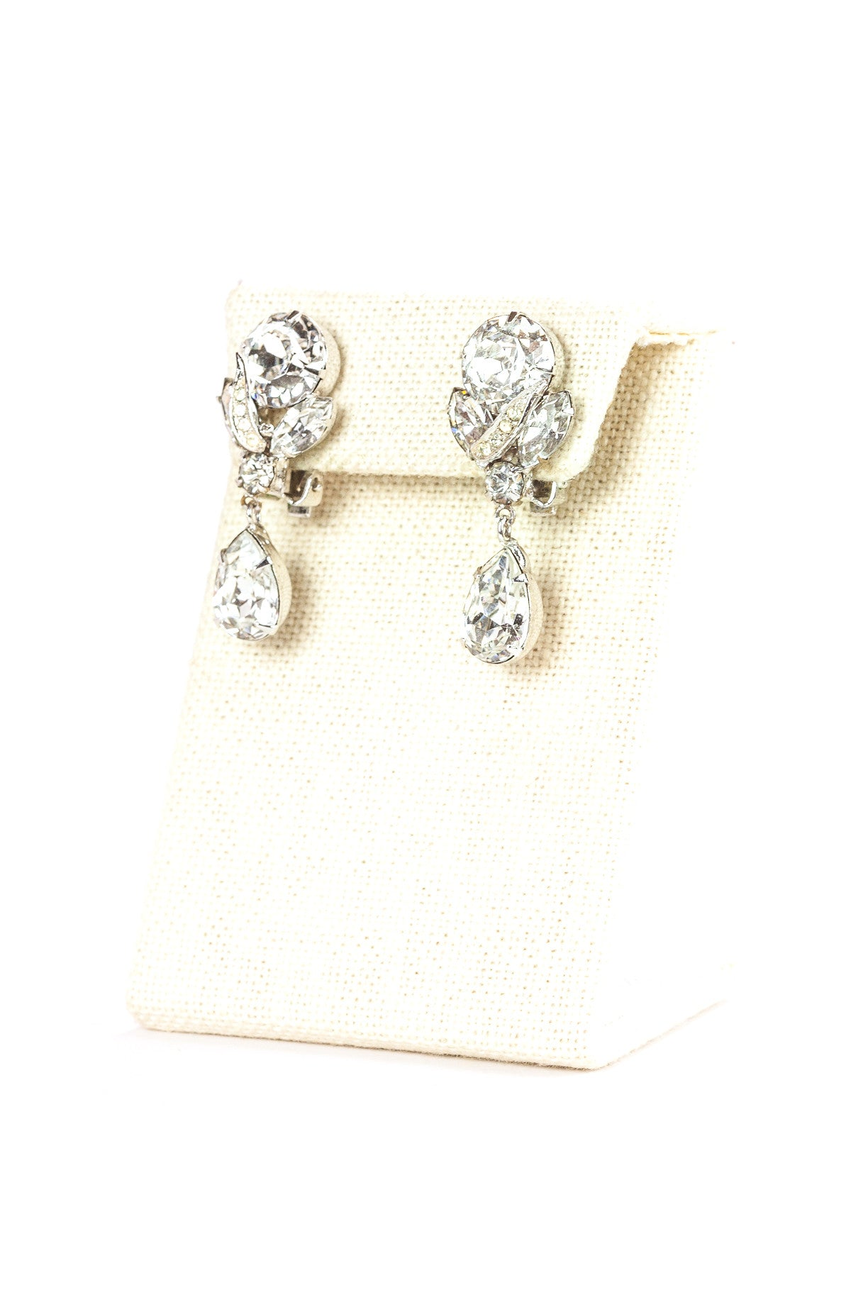 50's__Weiss__Dainty Rhinestone Drop Earrings