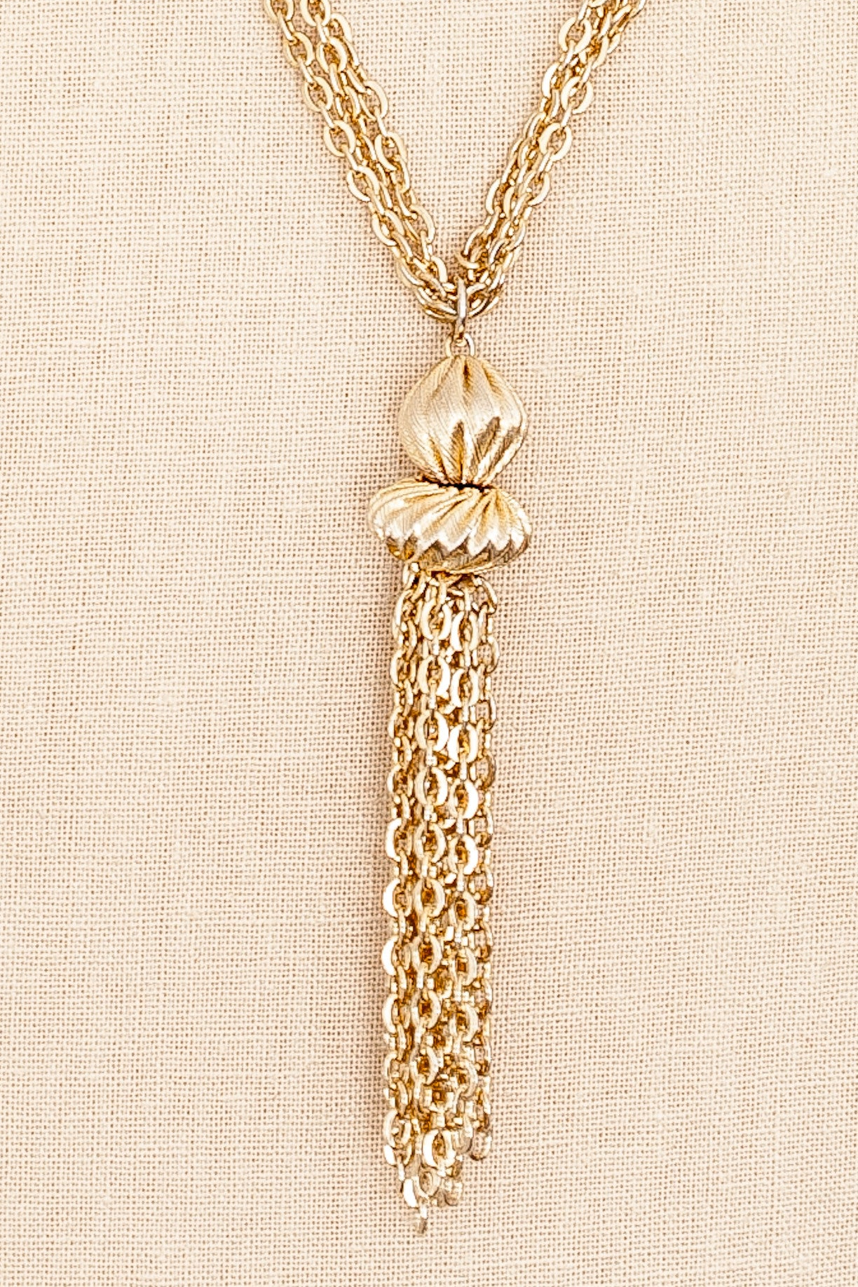 50's__Vintage__Tassel Pendant Necklace