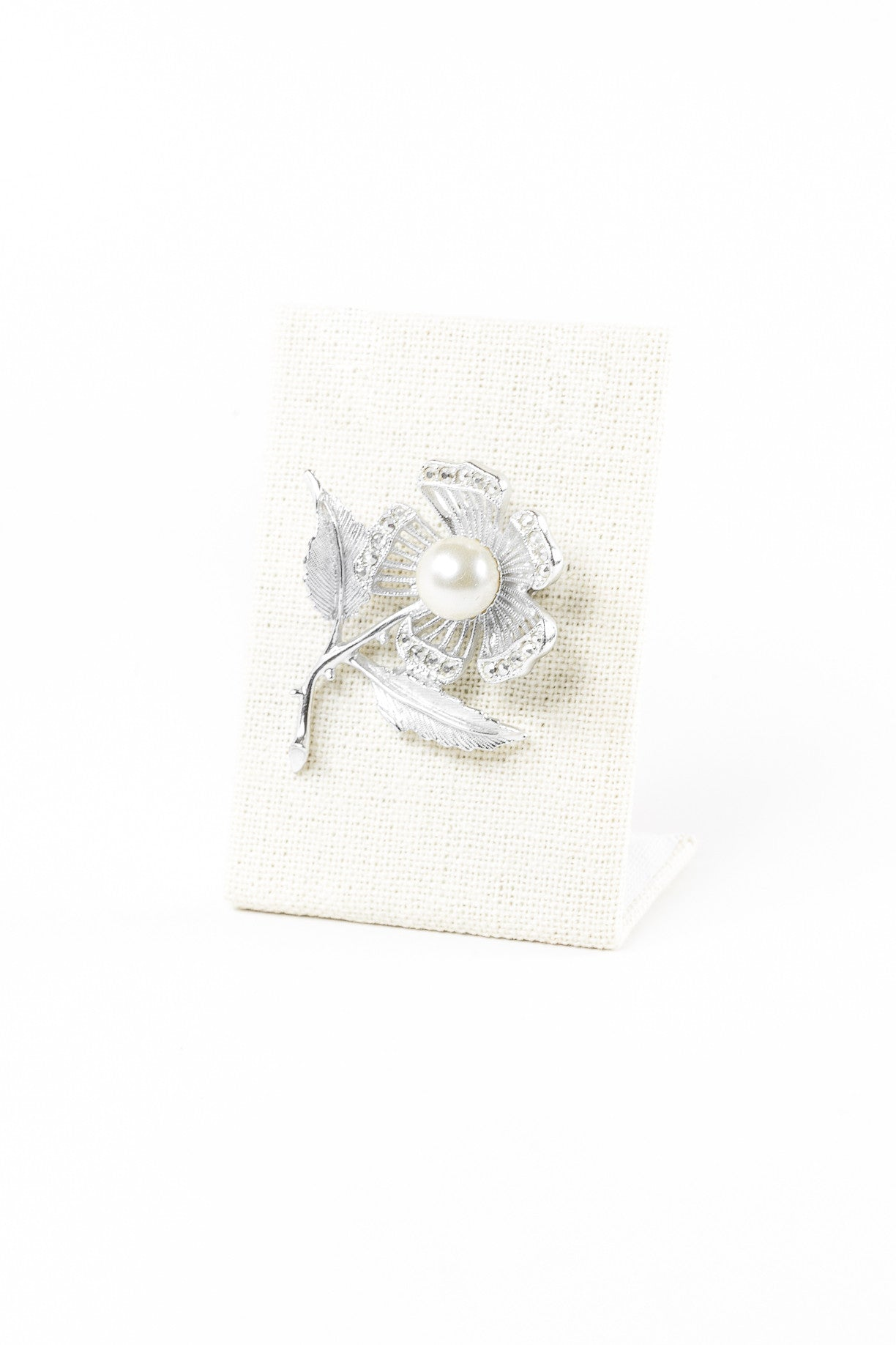 70's__Sarah Coventry__Silver Flower Pin