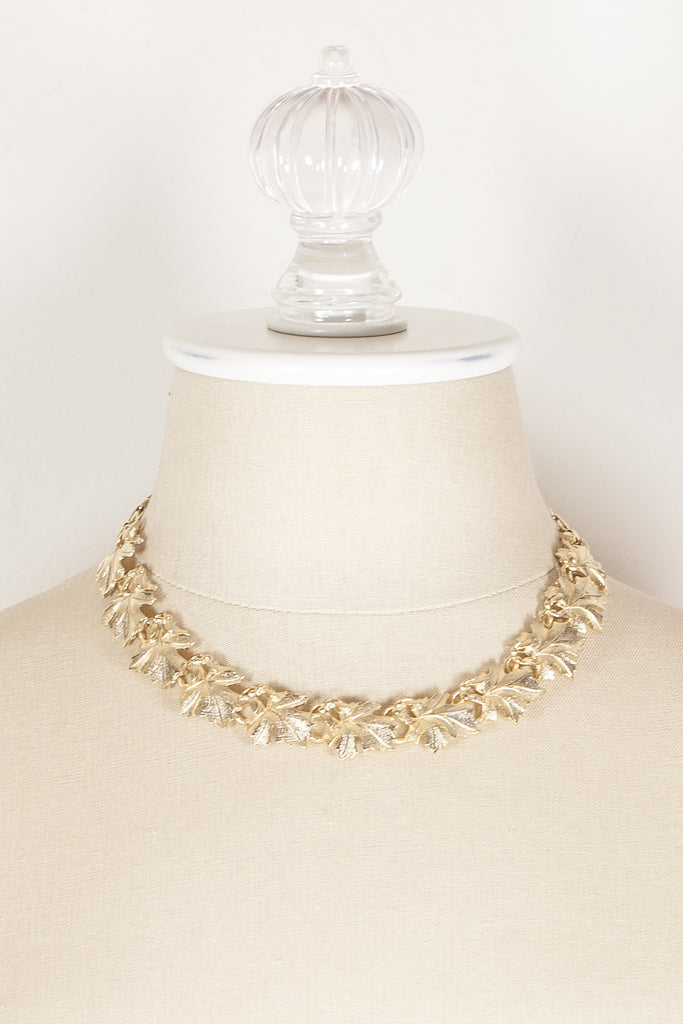 70's__Lisner__Gold Leaf Necklace
