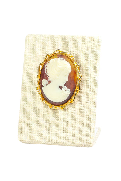50's__Vintage__Classic Cameo Brooch