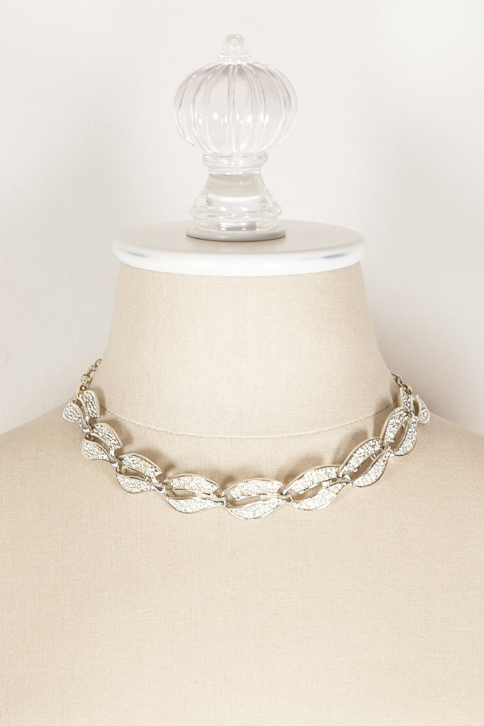 60's__Vintage__Textured Swirl Necklace