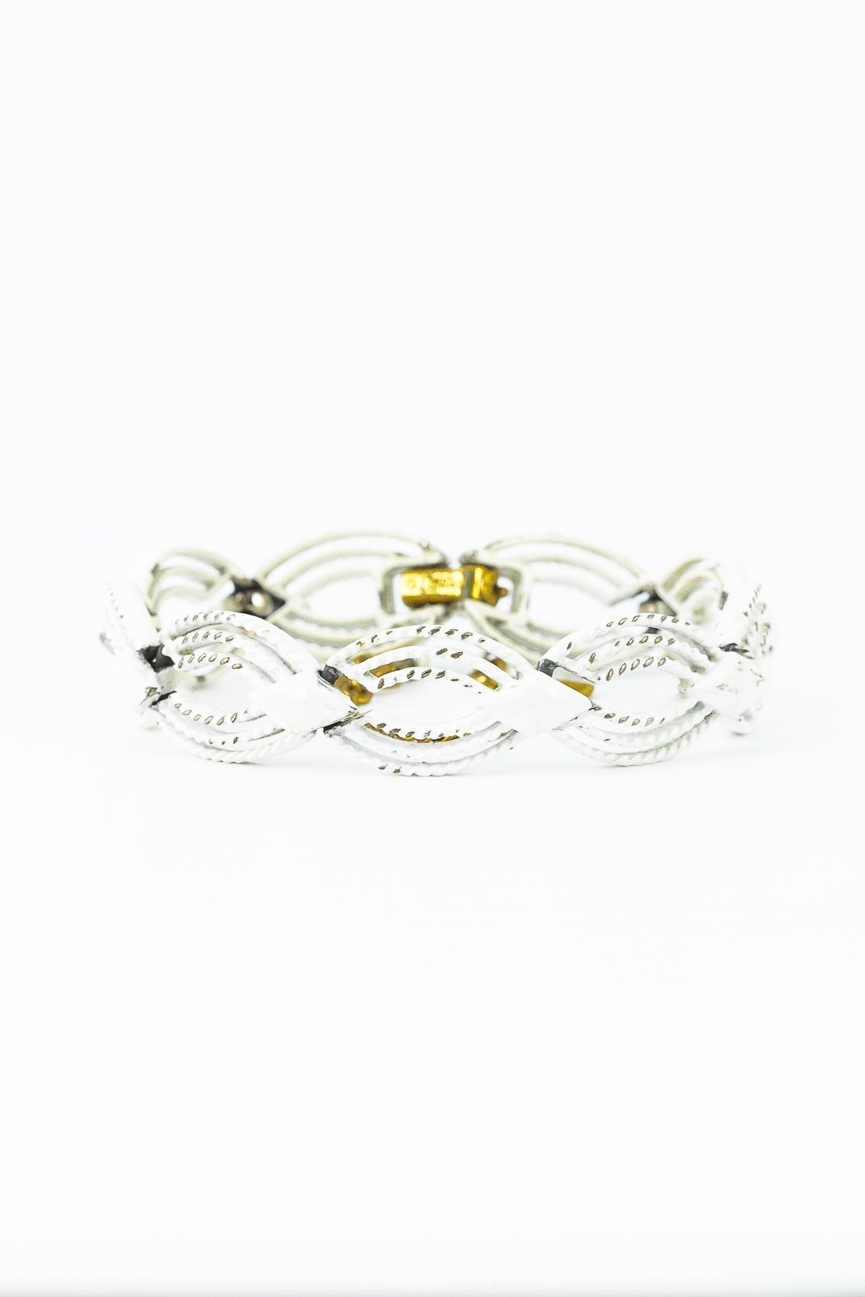 60's__Monet__White Oval Link Bracelet