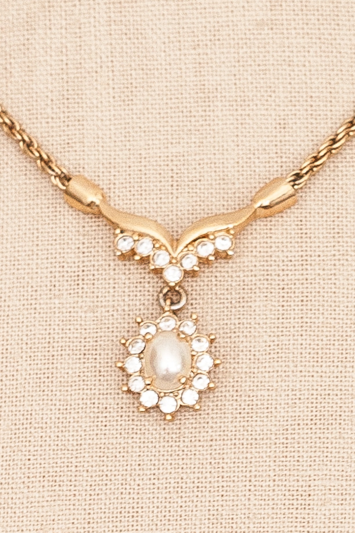 80's__Roman__Pearl Drop Necklace