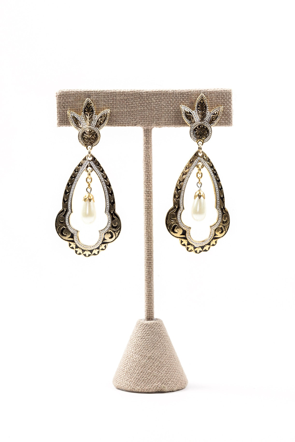 70's__Spanish__Pearl Drop Clip-on Earrings