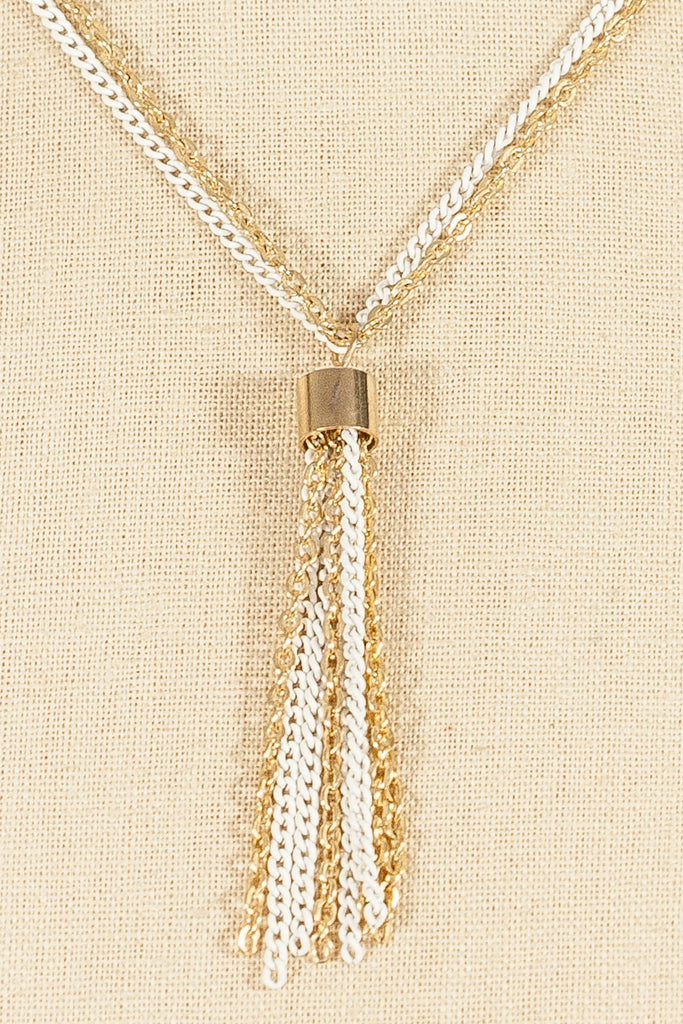 70's__Vintage__Dainty Tassel Necklace