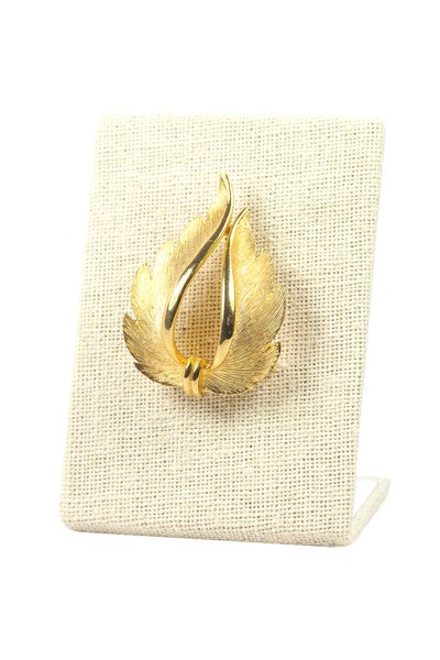 70's__JJ__Vintage Feather Brooch