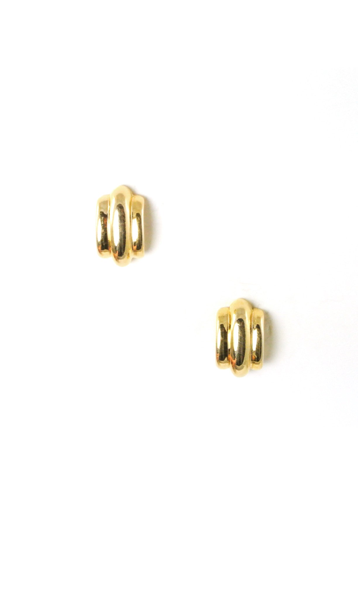 80's__Monet__Scallop Studs