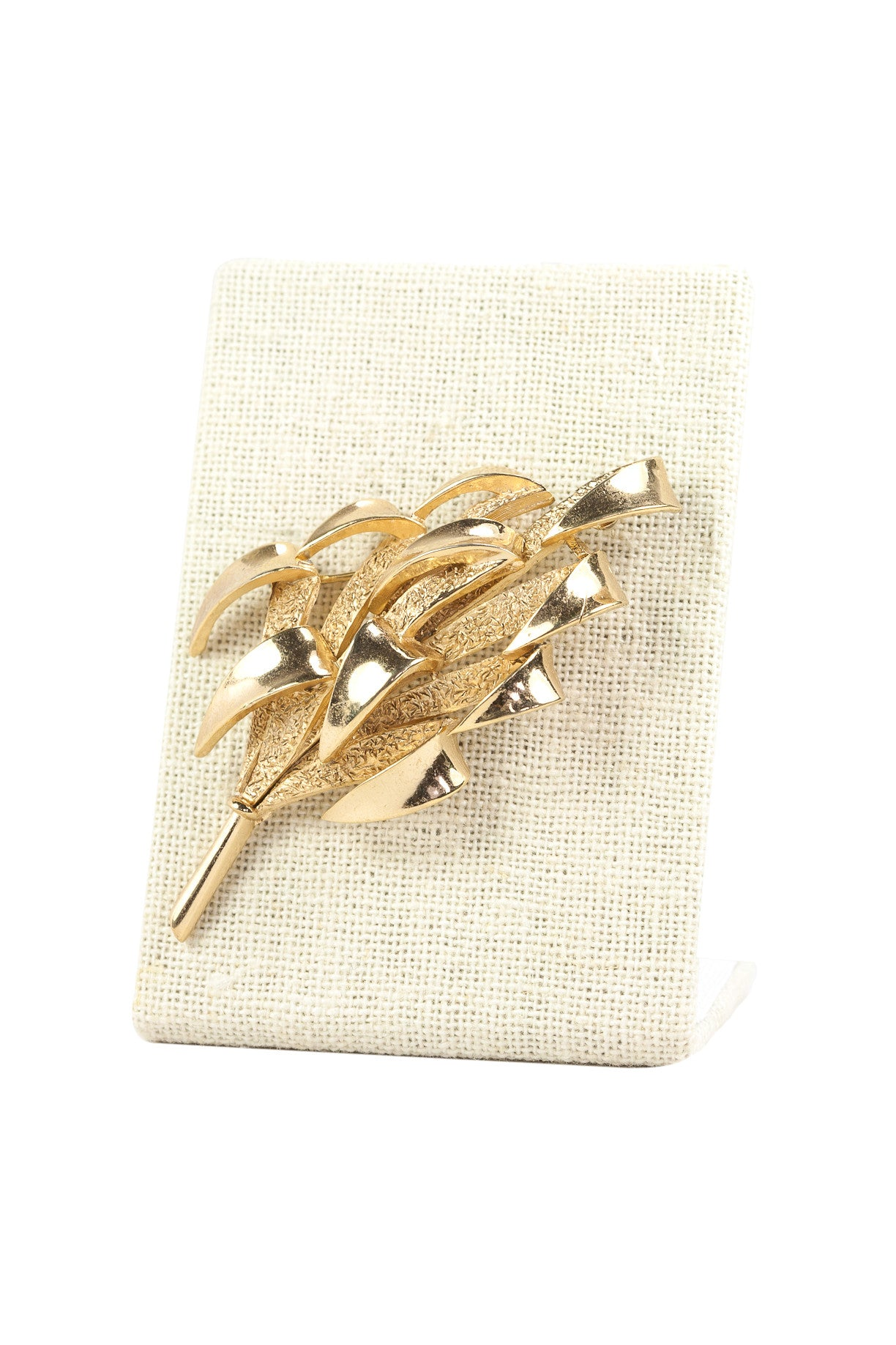 50's__Trifari__Folded Leaf Bar Brooch