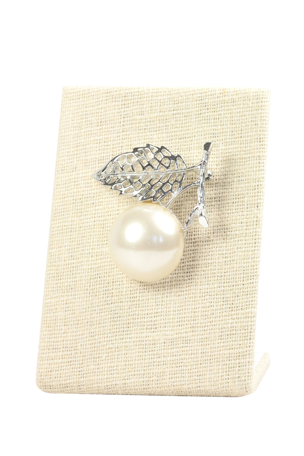 60's__Sarah Coventry__Pearl Burst Brooch