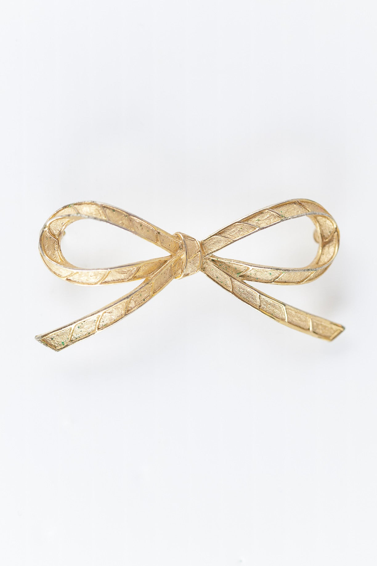 50's__Trifari__Girly Bow Pin