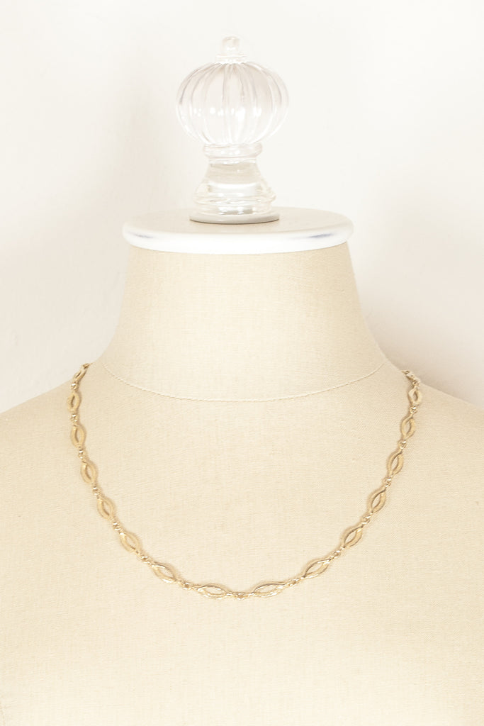 70's__Sarah Coventry__Dainty Oval Link Necklace