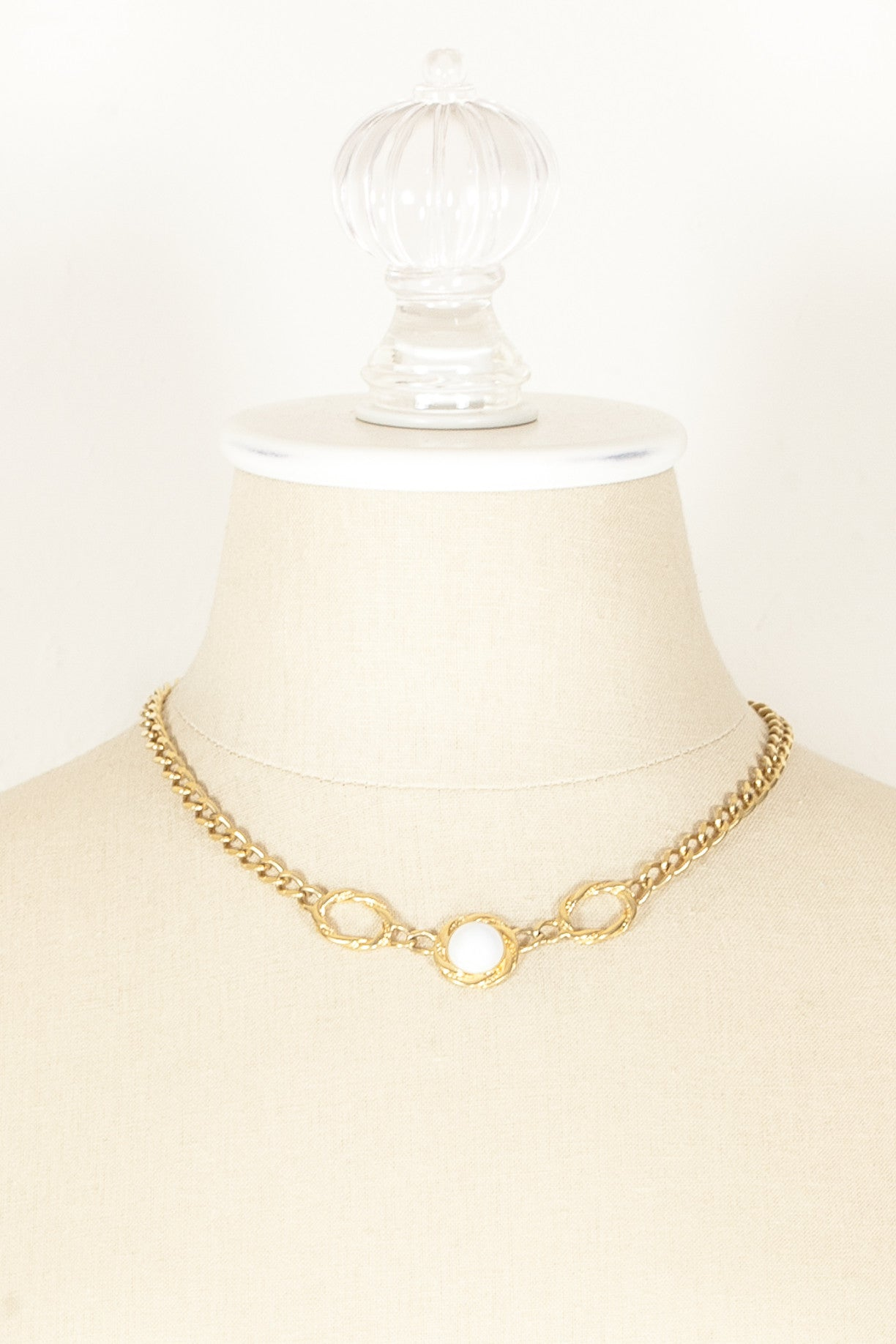 60's__Monet__Dainty White Bead Necklace