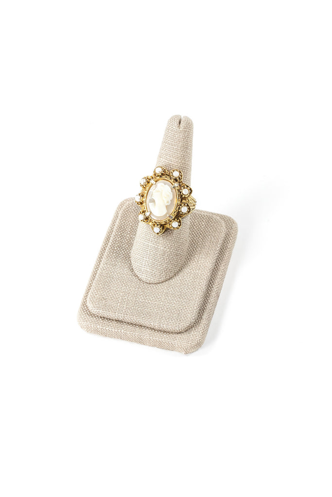 60's__Vintage__Cameo Stone Cocktail Ring