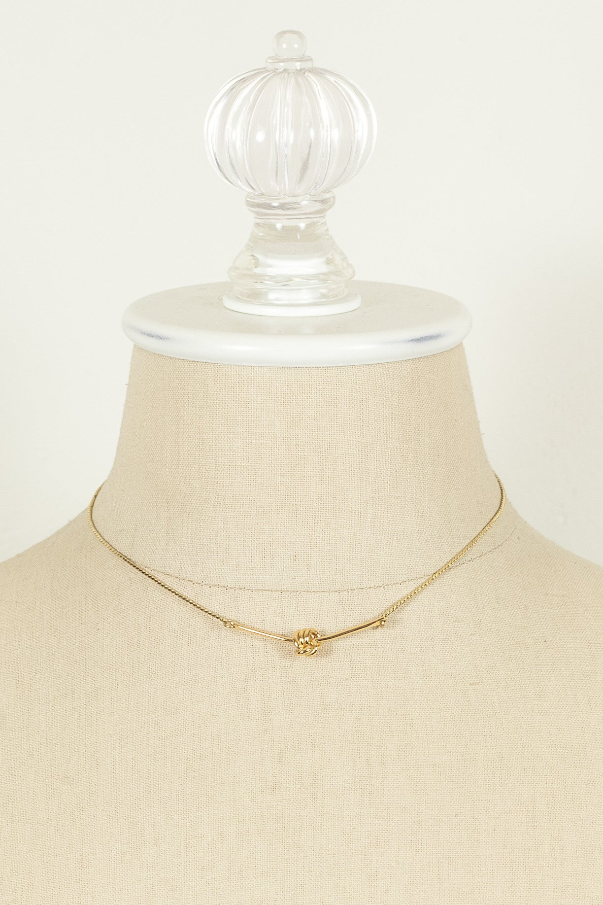 70's__Monet__Dainty Knot Bar Necklace
