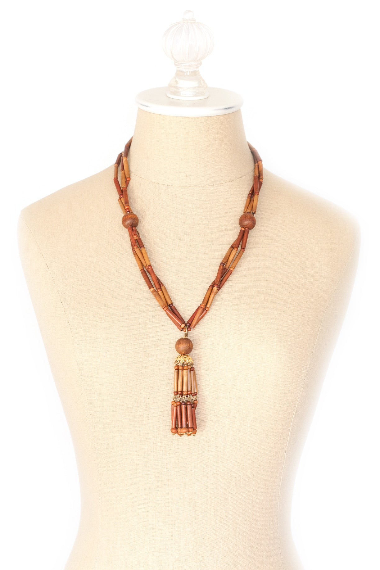 50's__Vintage__Wooden Tassel Necklace