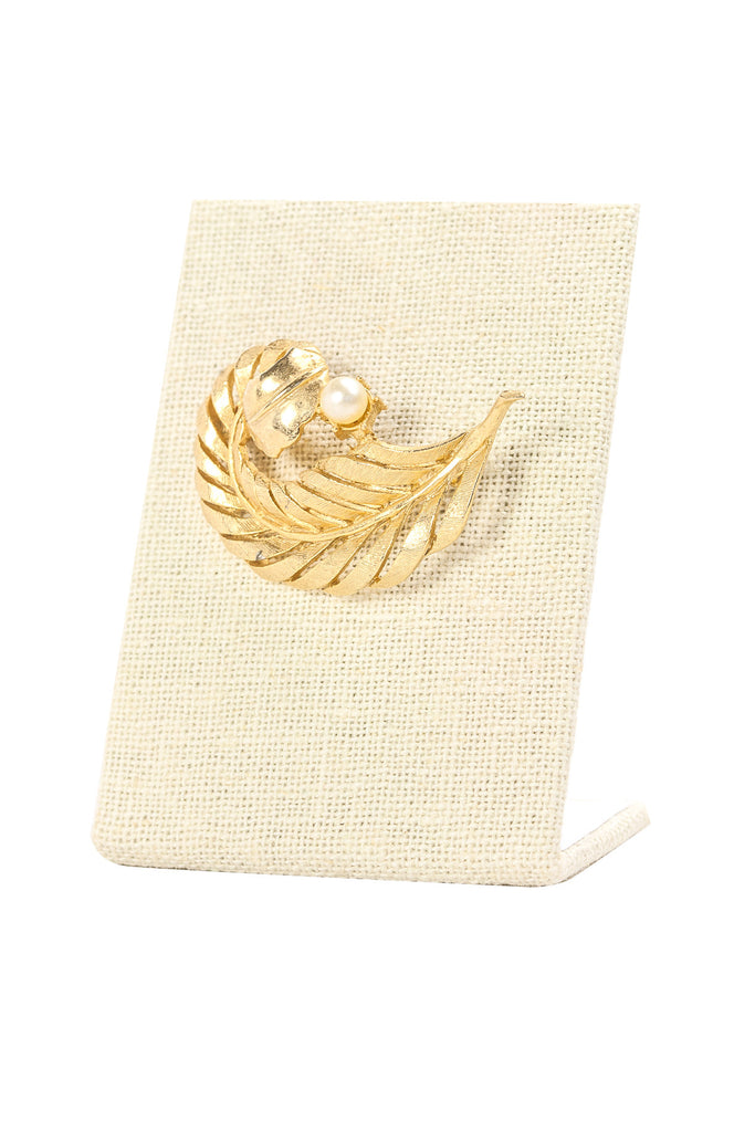 50's__Lee Co__Pearl Feather Brooch