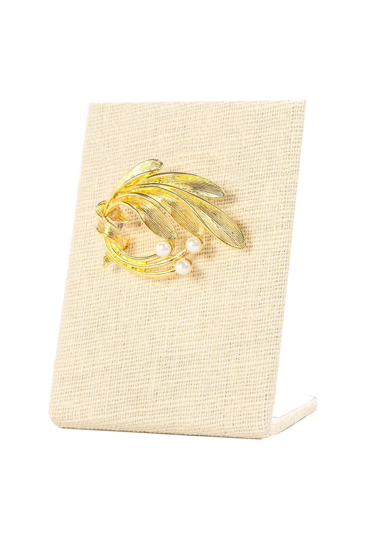 50's__Vintage__Pearl Feather Brooch