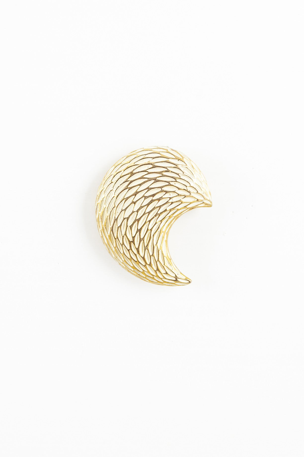 70's__BSK__Textured Half Moon Pin