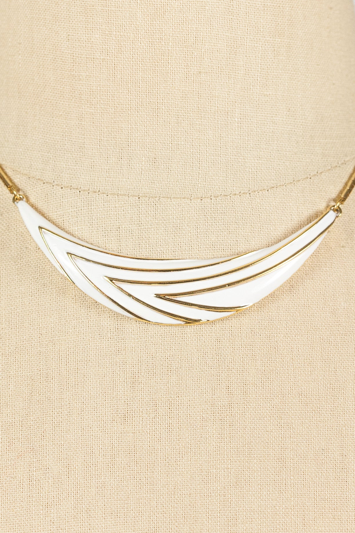 80's__Monet__White Bar Necklace