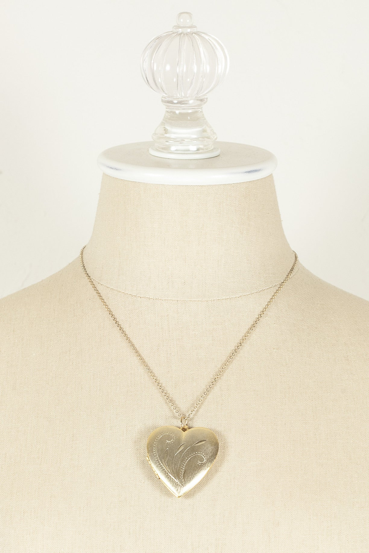 60's__Vintage__Heart Locket Pendant Necklace