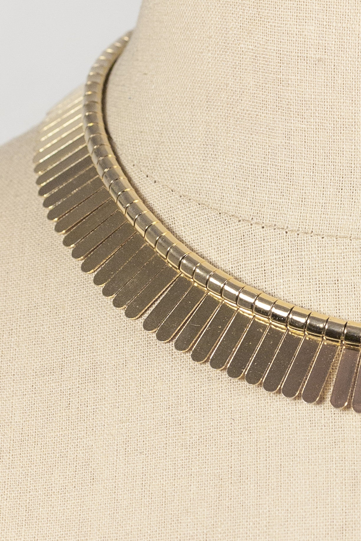 70's__Vintage__Bold Fringe Necklace