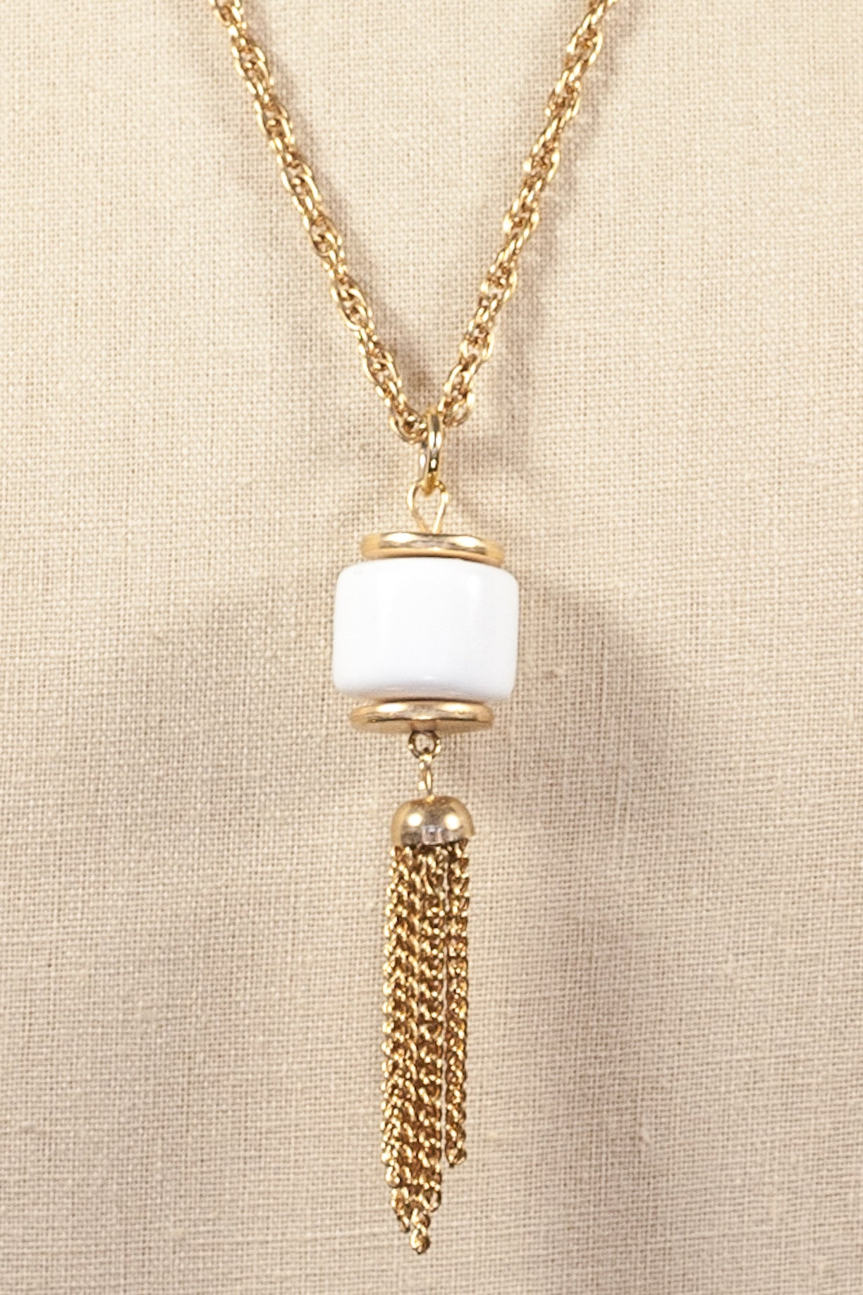 60's__Vintage__White Tassel Necklace