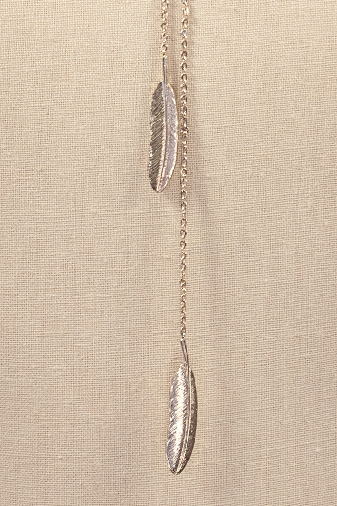 70's__Vintage__Dainty Feather Lariat Necklace