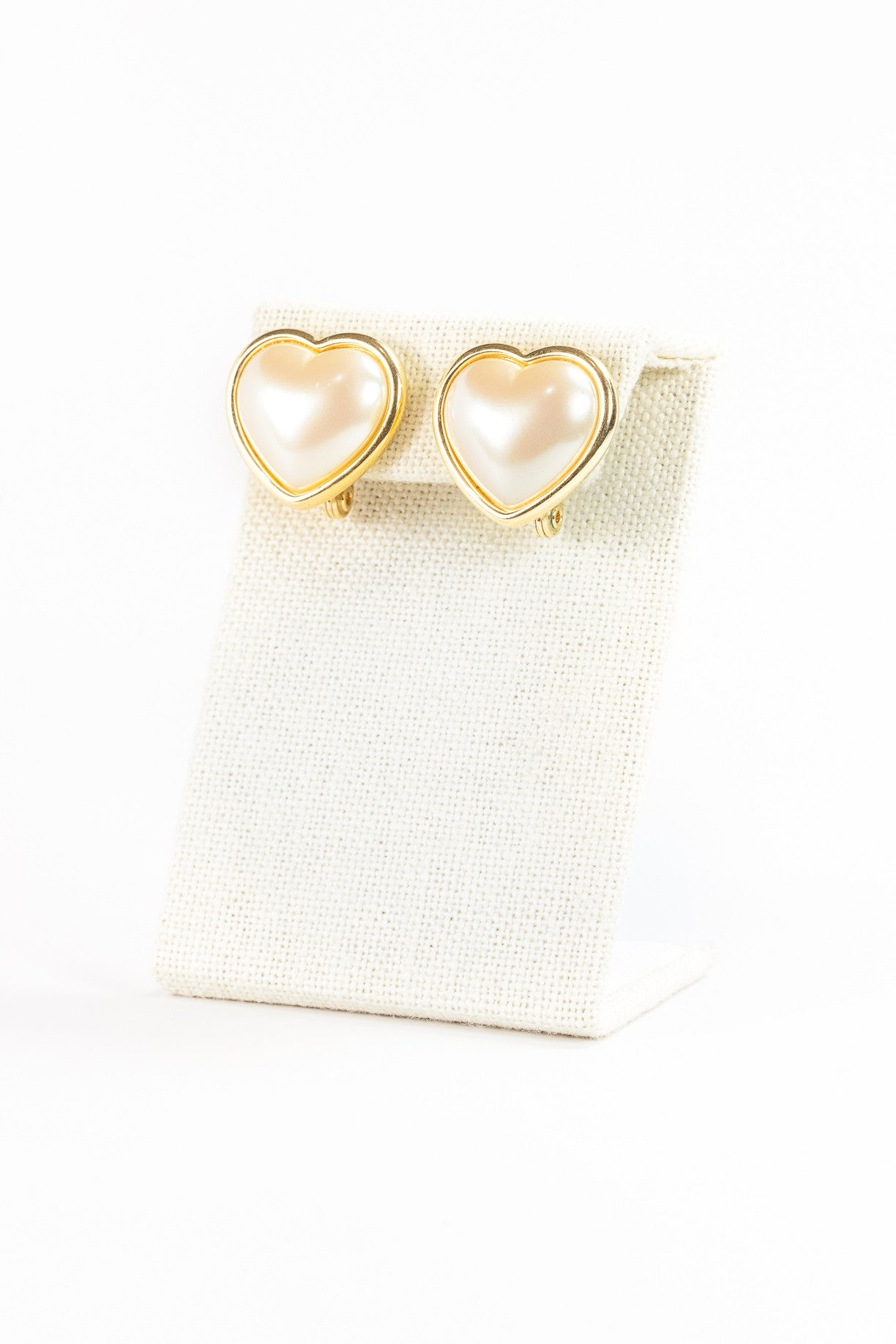 60's__Monet__Pearl Heart Clips