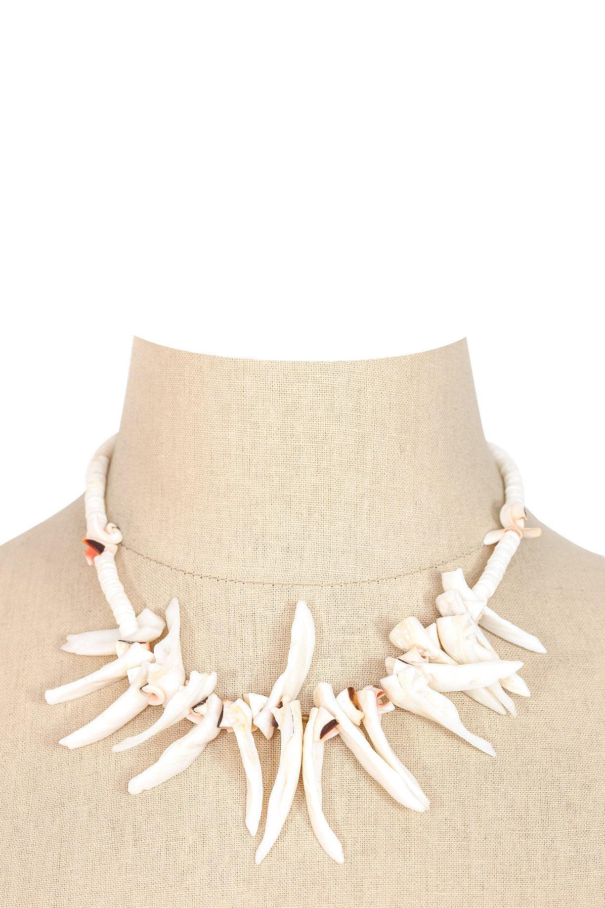 50's__Vintage__Fringe Shell Necklace
