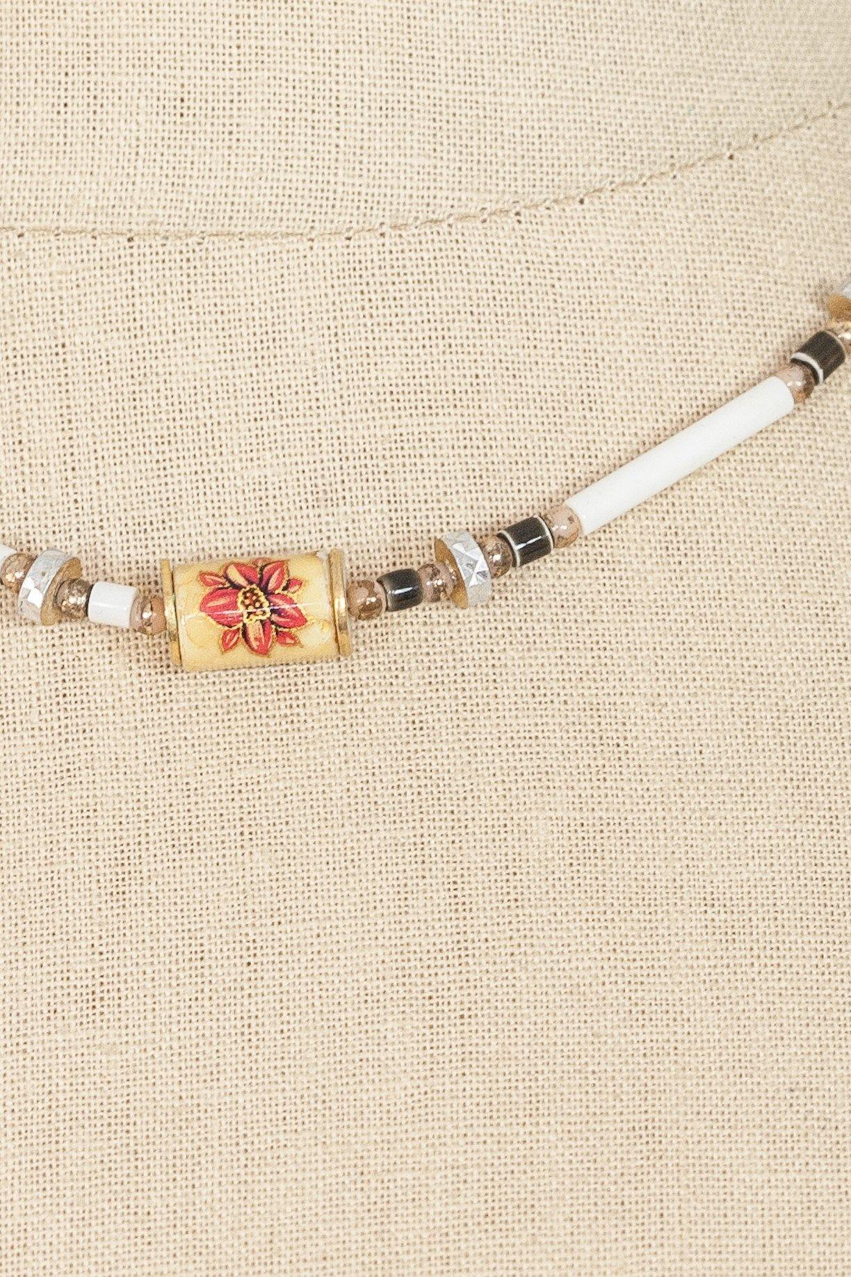 50's__Vintage__Dainty Beaded Necklace