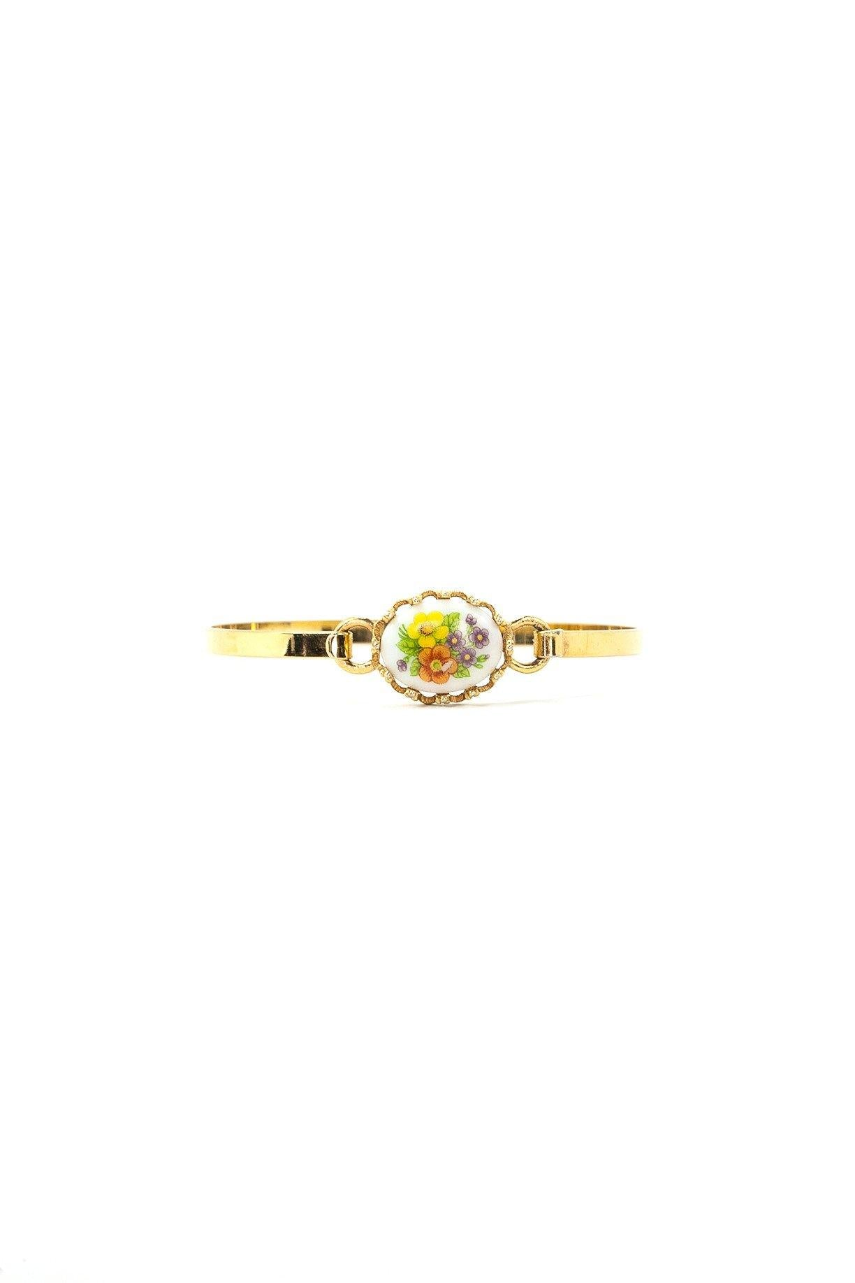 70's__Avon__Dainty Floral Bangle