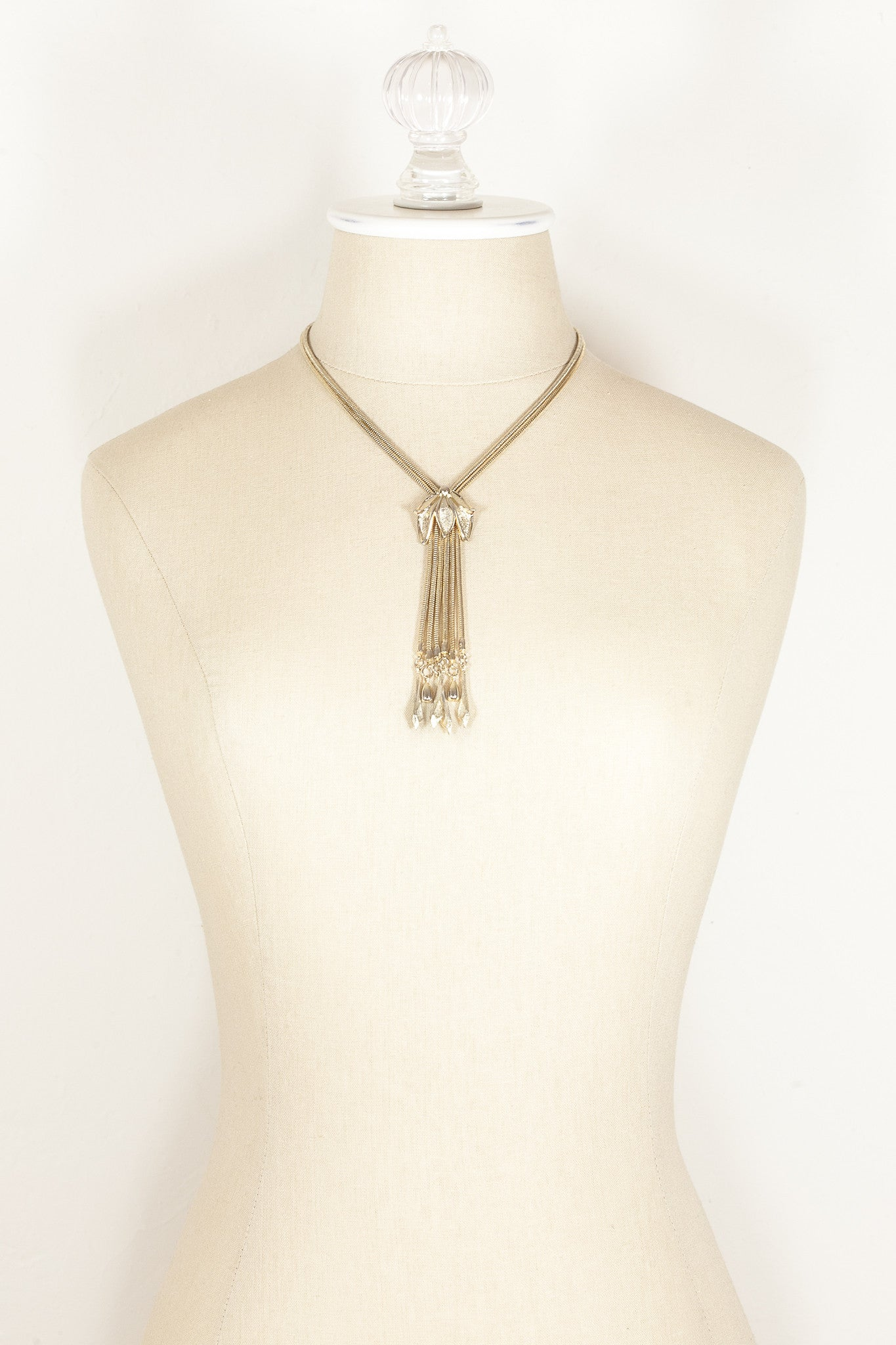 70's__Vintage__Snake Chain Tassel Necklace
