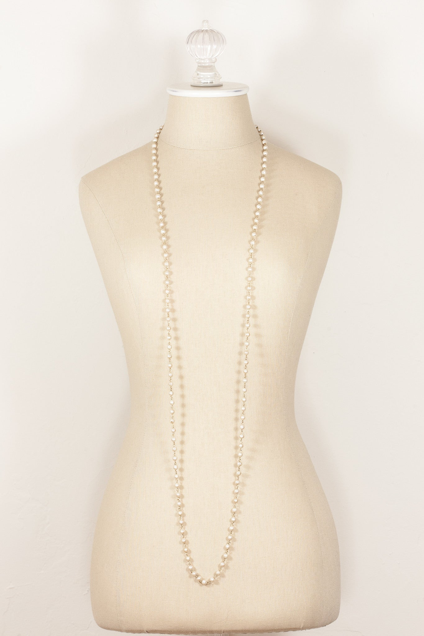 50's__Vintage__Extra Long Pearl Necklace