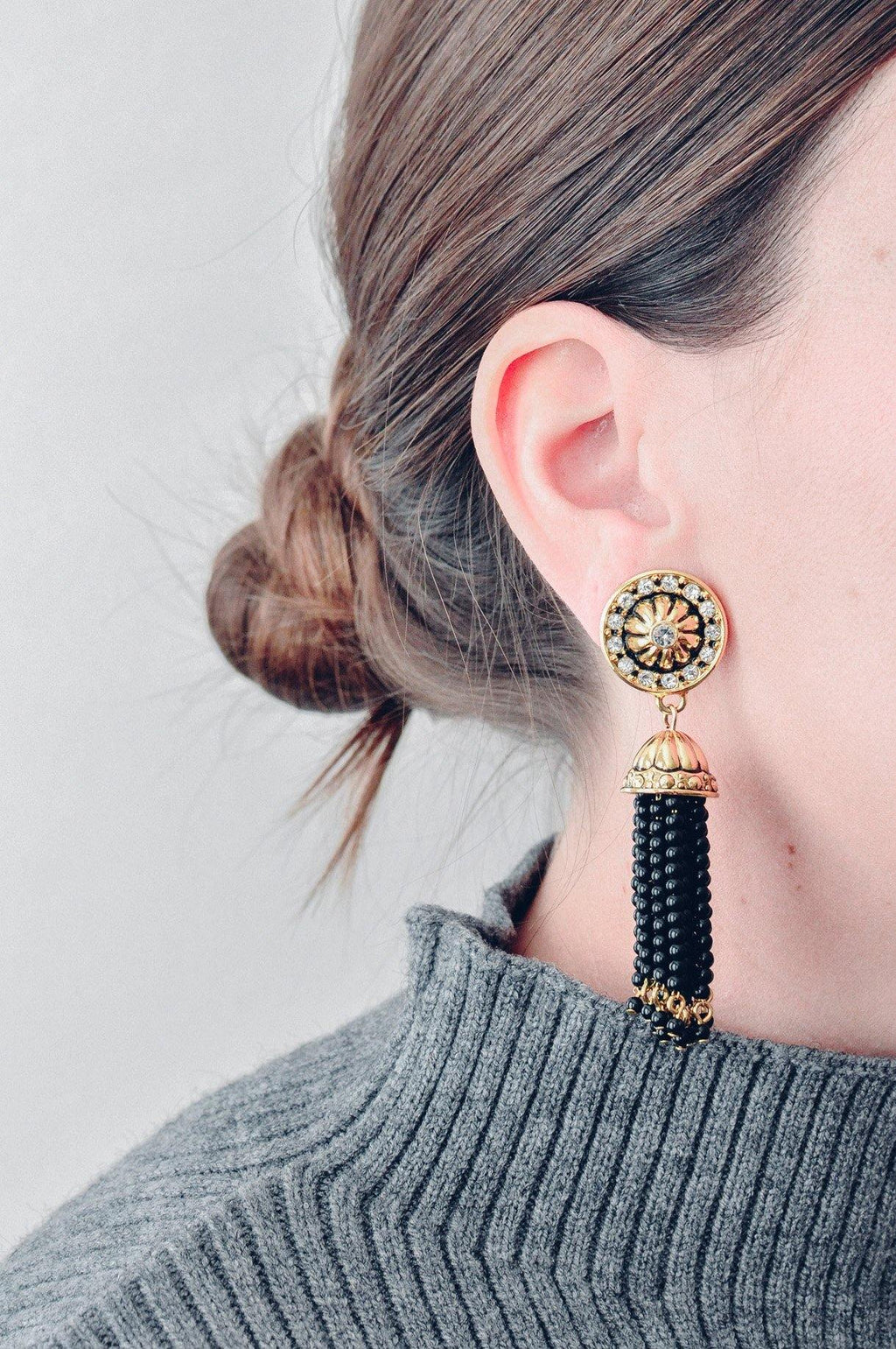 Black Tassel Pierced Earrings