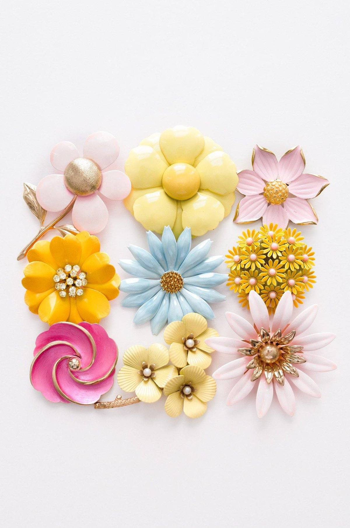 Vintage floral brooches from Sweet & Spark.