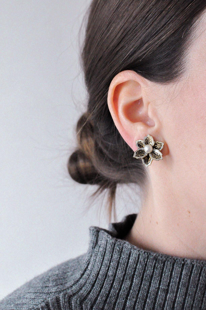 Pearl Floral Clip-on Earrings