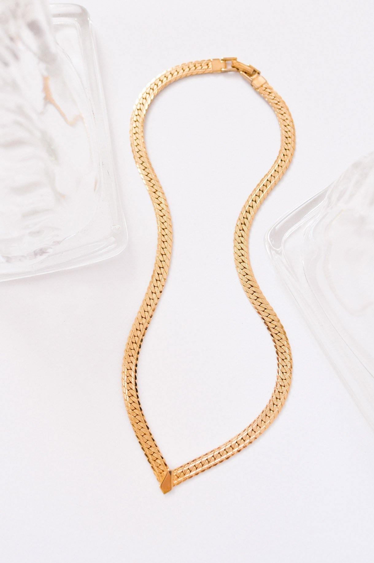 Flat Chain V Necklace