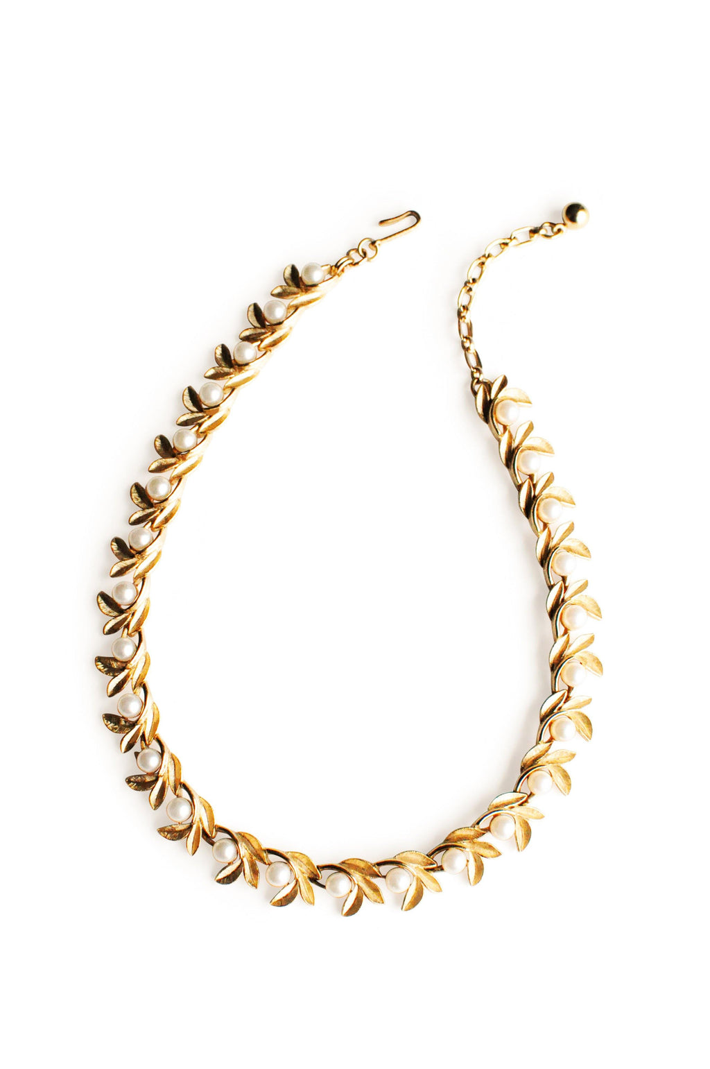 Avon Gold Leaf Pearl Link Necklace