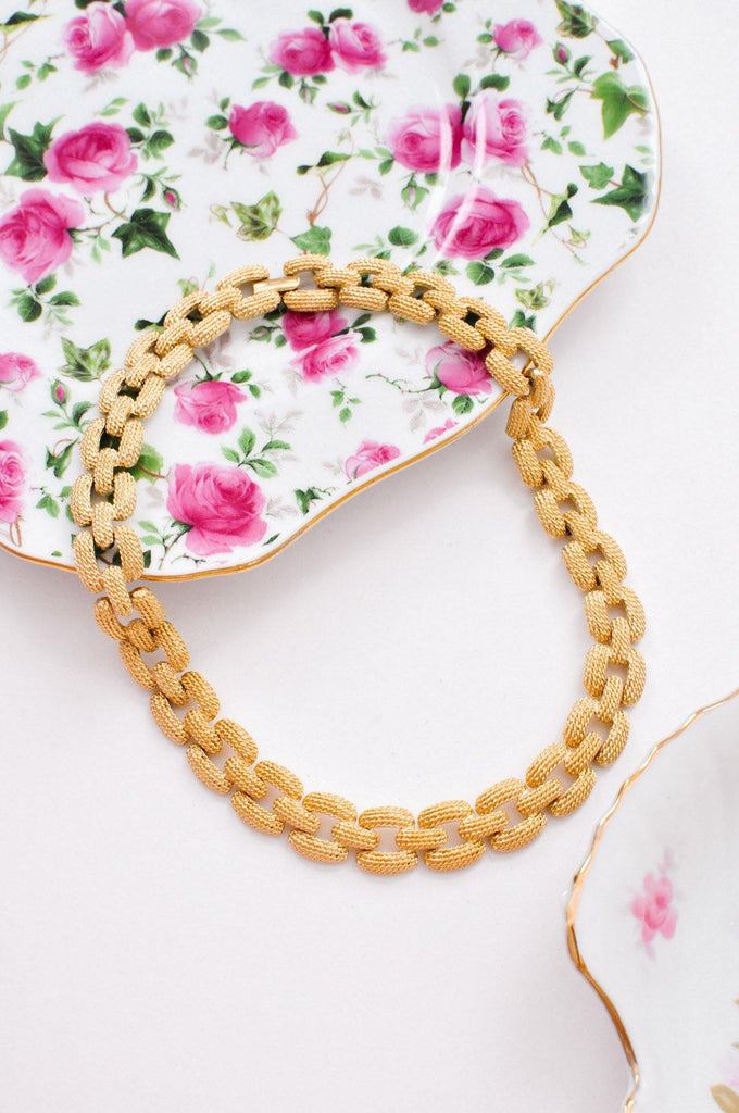 Textured Chain Link Necklace