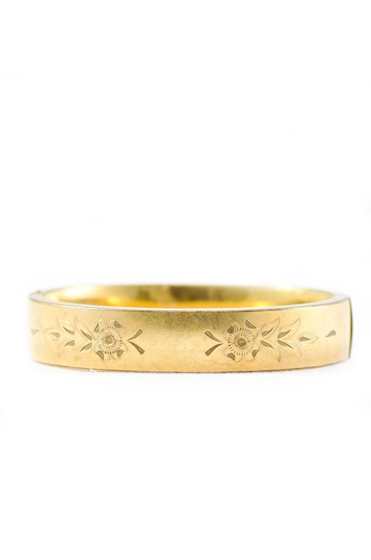 70's__Vintage__Engraved Floral Bangle