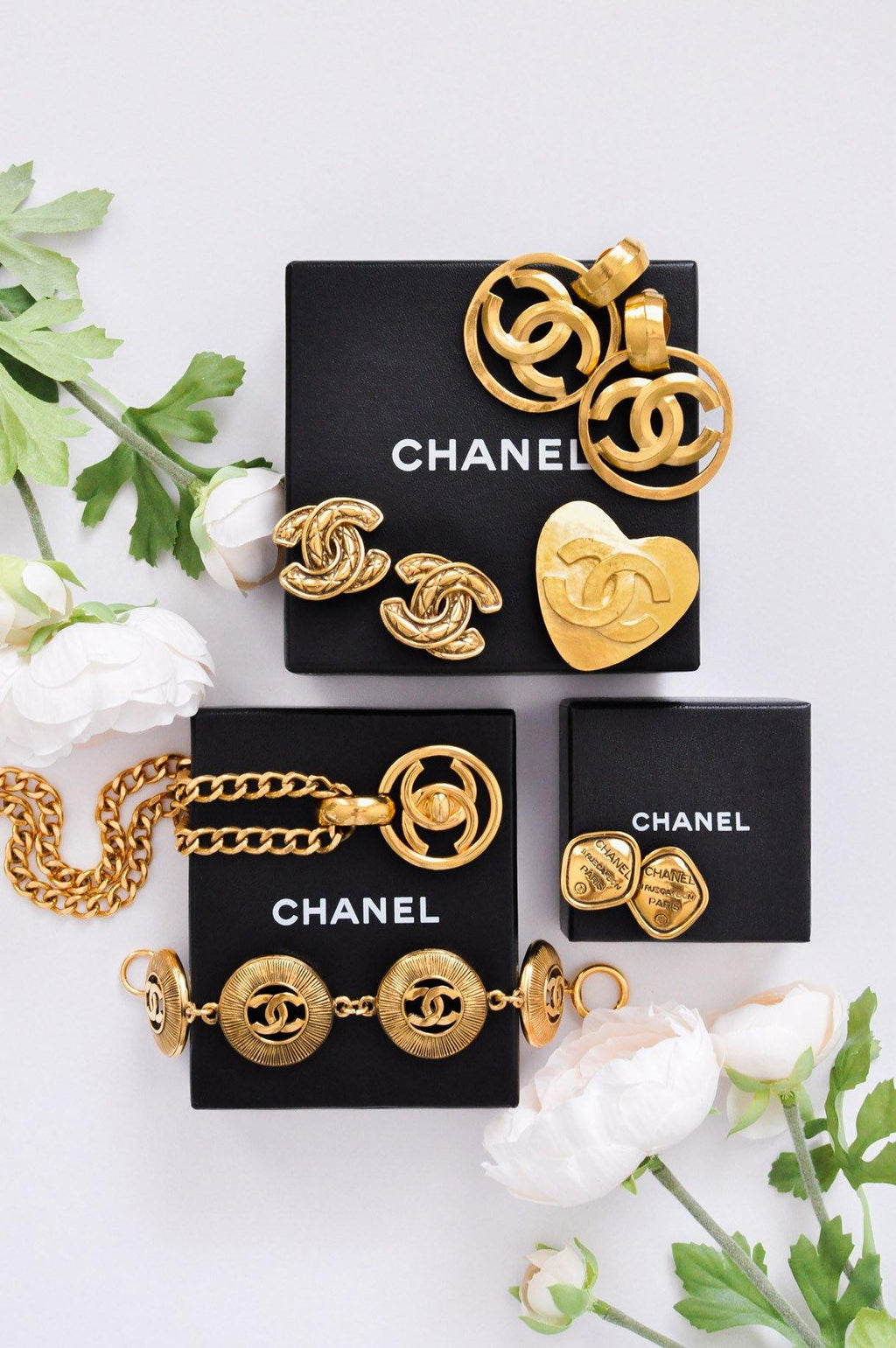 Chanel CC Heart Gold Brooch