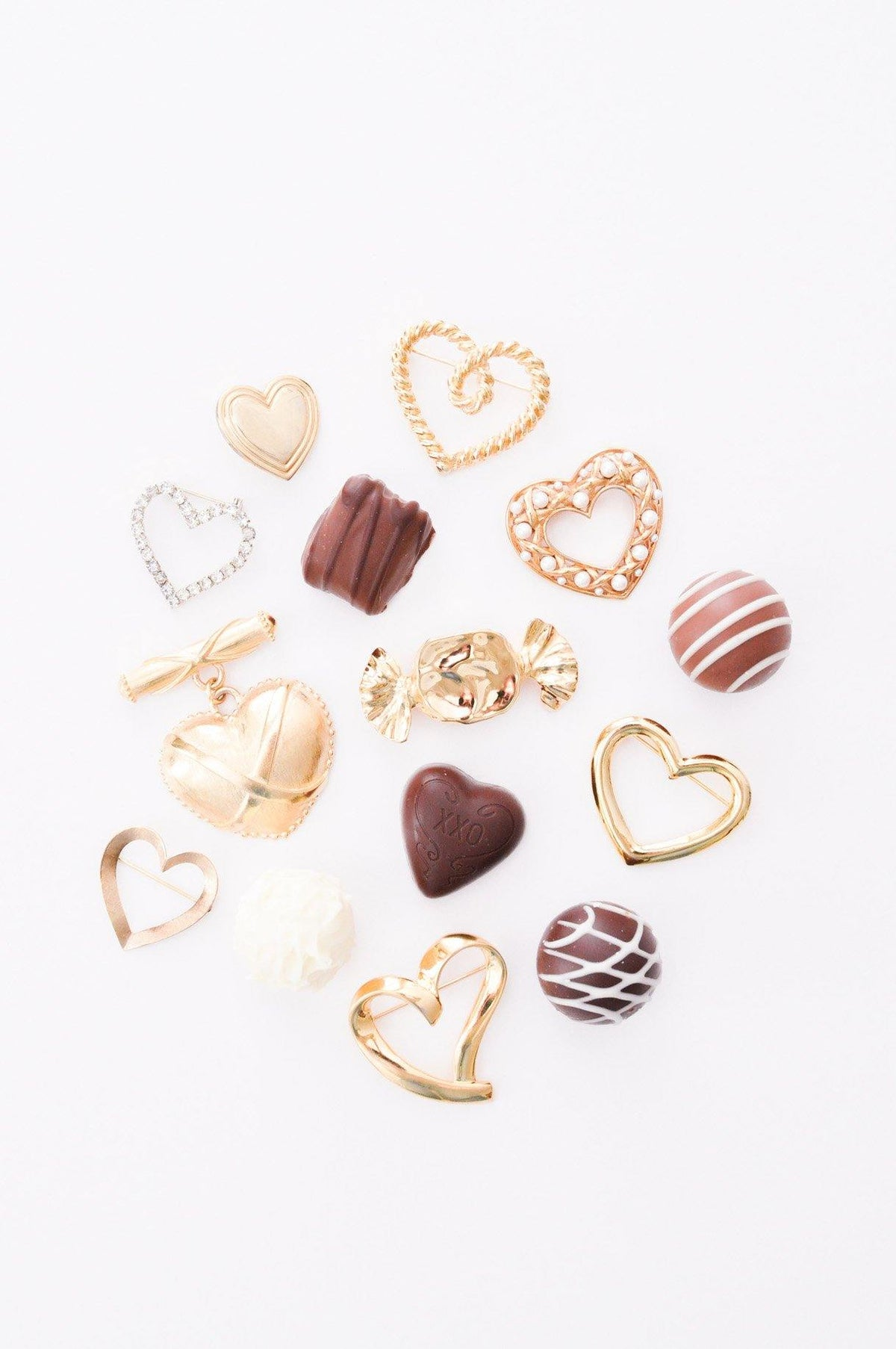 Vintage heart brooches from Sweet & Spark.