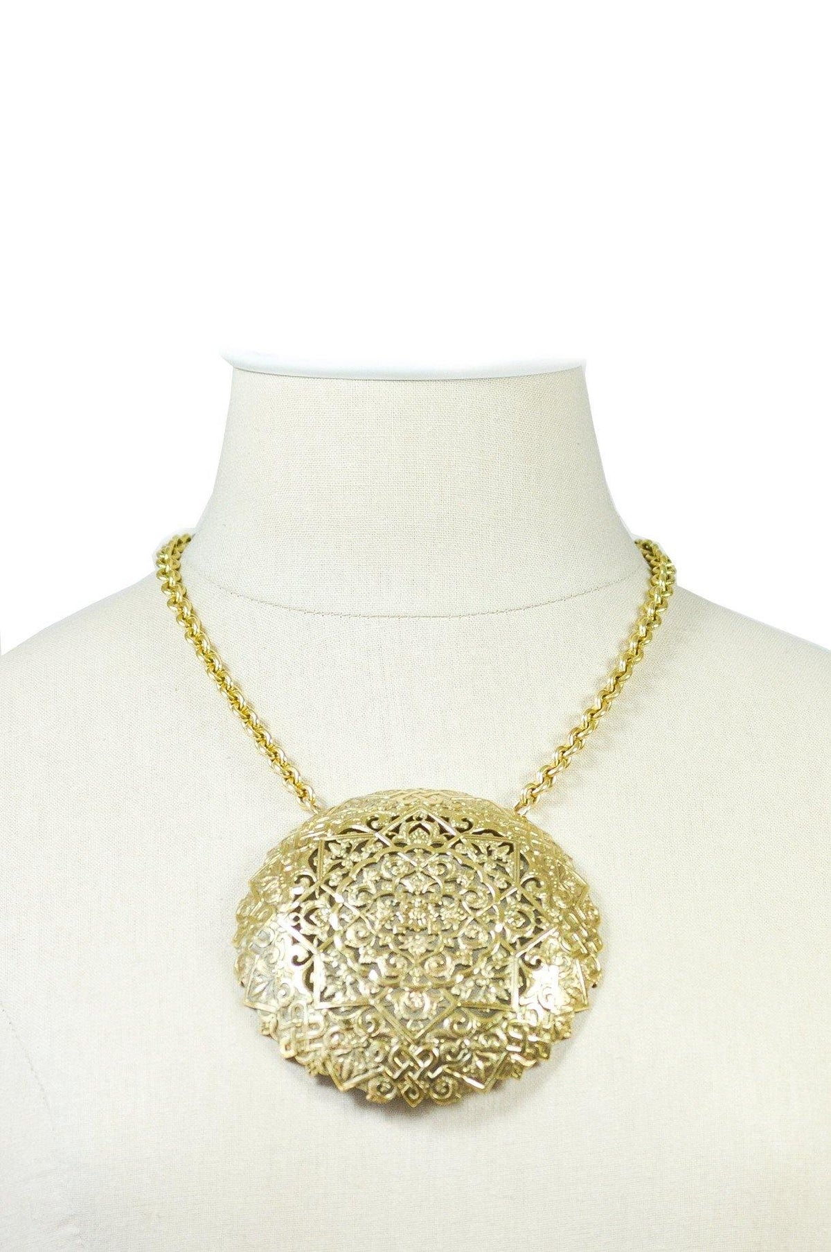 1970's Vintage Bold Medallion Necklace