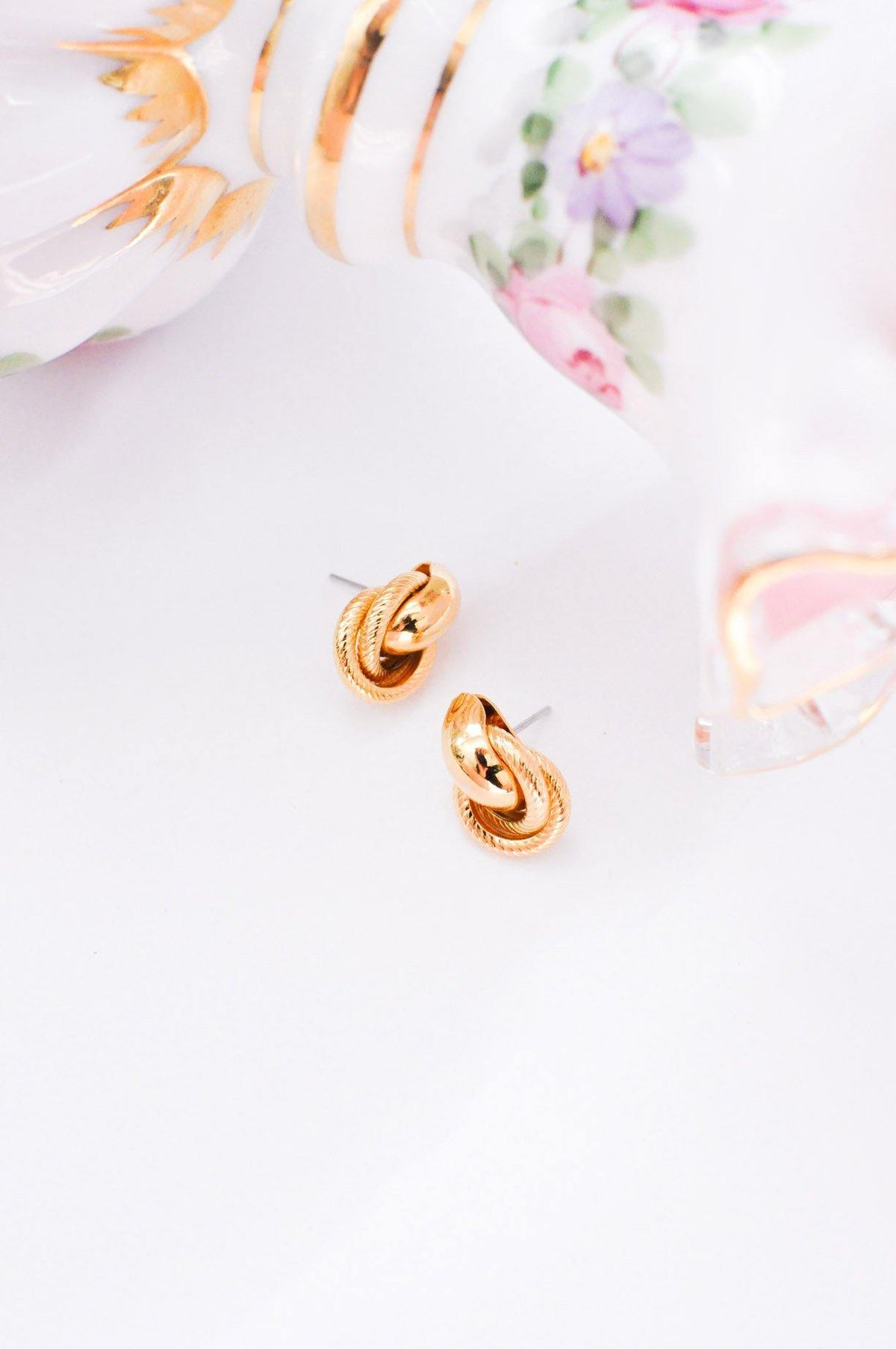 Vintage gold door knocker earrings from Sweet & Spark.