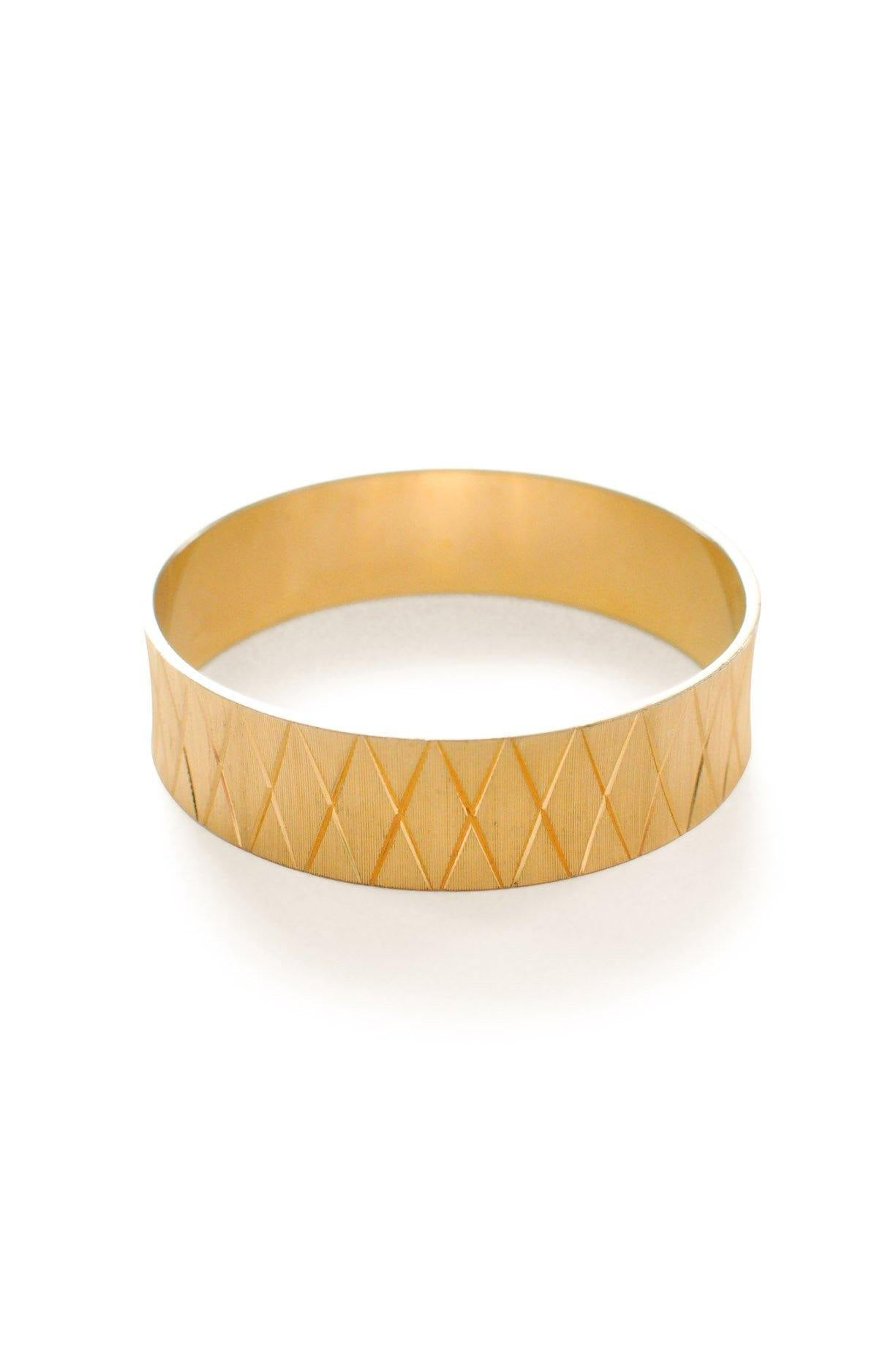 Gold Crisscross Bangle