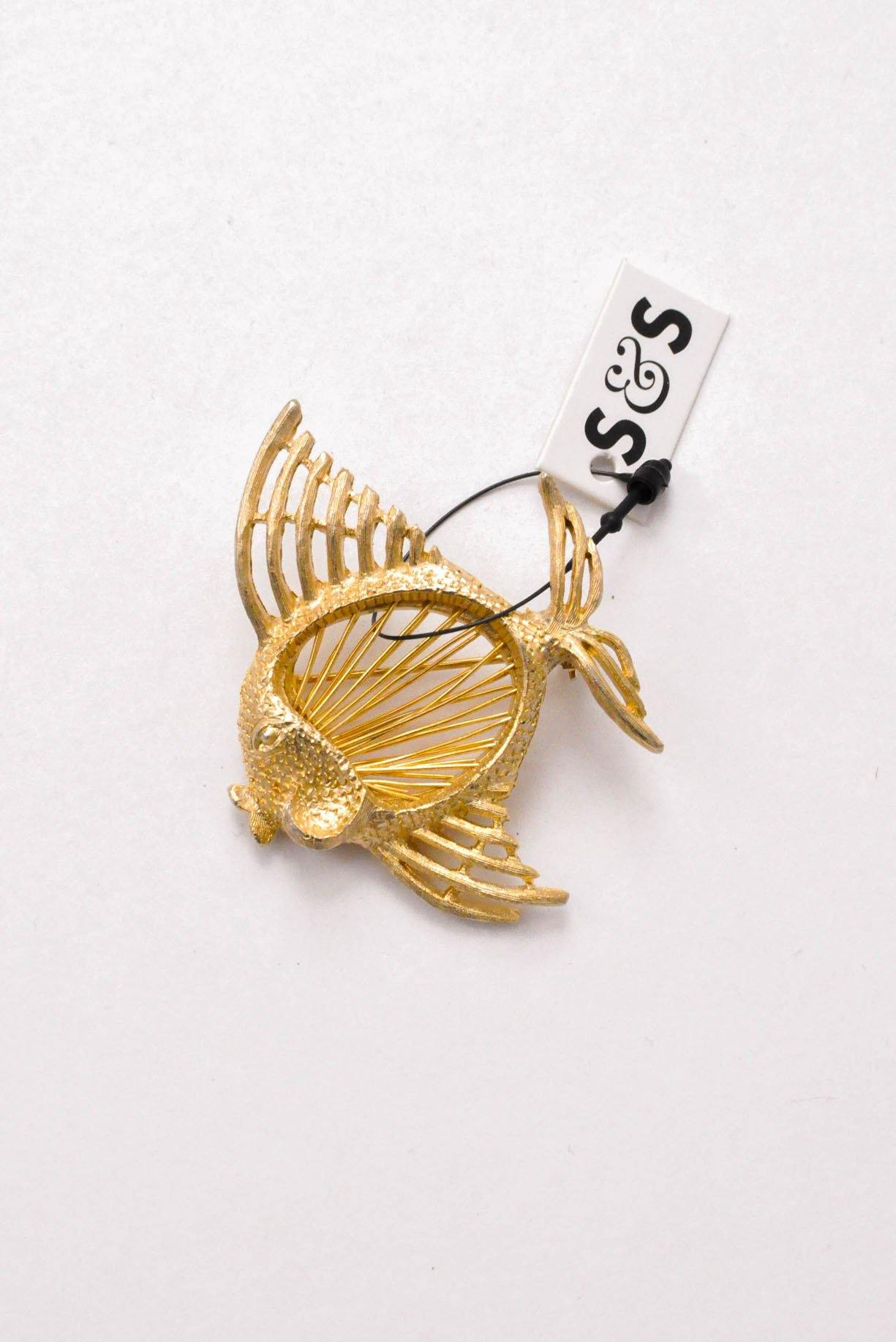 Vintage fish brooch from Sweet & Spark.